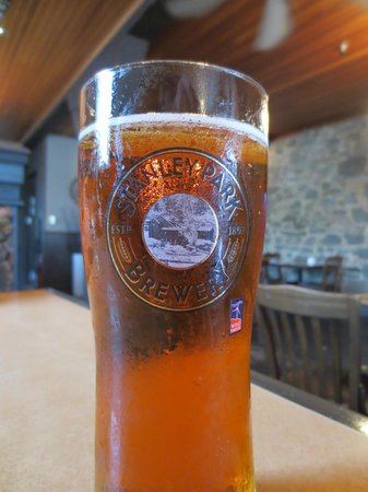 Jackson's Hole & Grill: Beer on tap