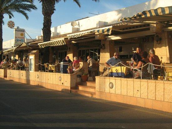 Pizzeria Restaurante Di Mare: Terraza exterior