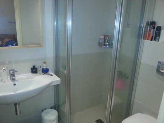 Lefktron Hotel: Fabulous Bathroom