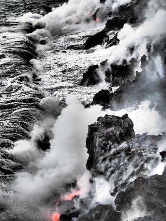 Kalapana Cultural Tours: Crashing sea ((dramatic filter)