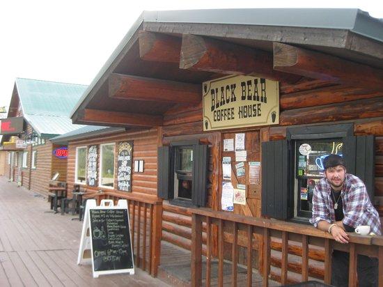 Black Bear Coffee House: Black Bear Coffee Shopt