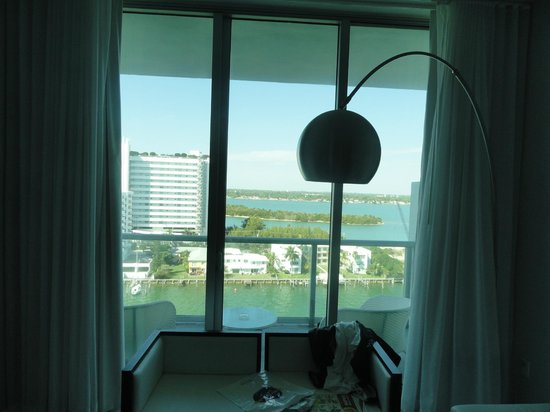 Eloquence by the Bay Residences: The balcony, view from inside the room