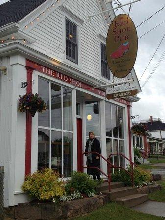 Red Shoe Pub (Mabou, Nova Scotia): Top Tips Before You Go ...