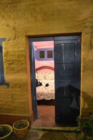 Molino la Tebaida : Vista entrando a la habitacion desde el patio