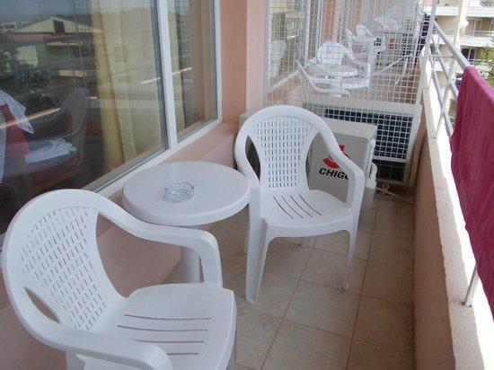 Vezhen Hotel: balcony