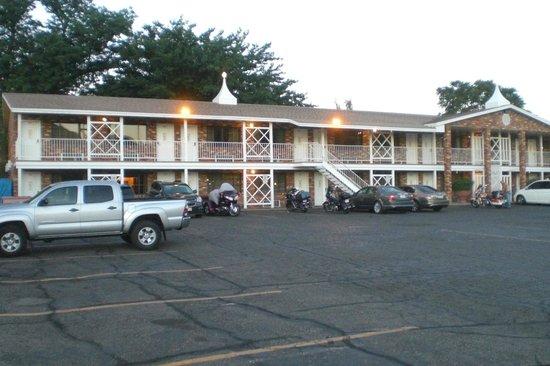 Rodeway Inn & Suites Landmark Inn: Landmark Inn