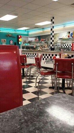 Papa J's Pizzeria: Papa J's diner Honor, MI