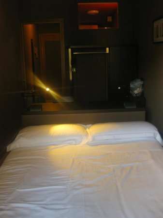 Hotel M14: Cozy Room