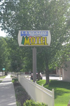 Lakeside Motel : Motel Sign