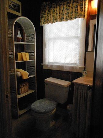 Sunshine Cozy Cottages: Bathroom