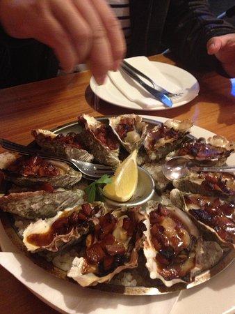 Images Restaurant: Kilpatrick oysters