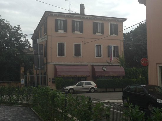 Hotel Corte Ongaro: The nearby restaurant..great food