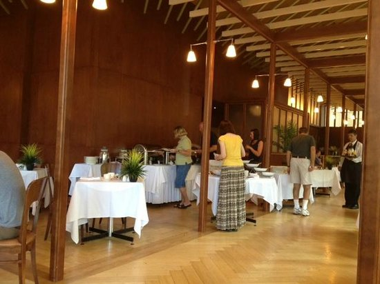 Hotel de l'ITHQ: dining room at breakfest