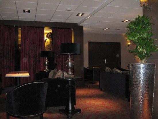 Hotel Mercure Bordeaux Centre Gare Saint Jean : Saguão do hotel
