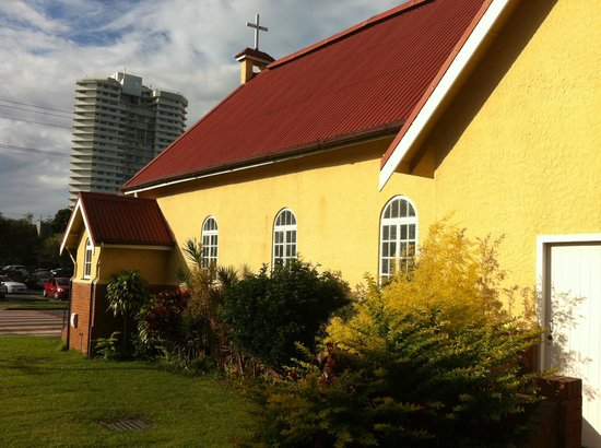 St. Peter's Anglican Church: panoramic view around the church