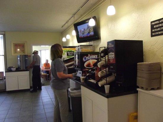 Quality Inn Bangor Airport: breakfast nook