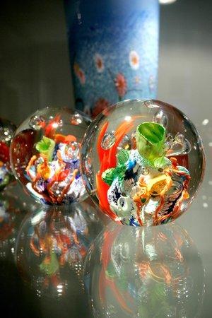 Tosari Galleries: Glass Art