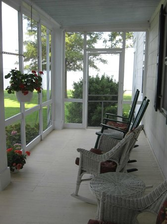Wades Point Inn on the Bay : Rocking chairs, screened porch in main Inn