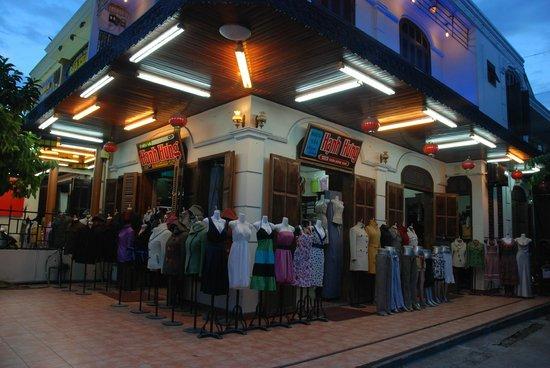 Hanh Hung Tailor : Shop Hanh Hung 103 Tran Hung Dao Hoi An