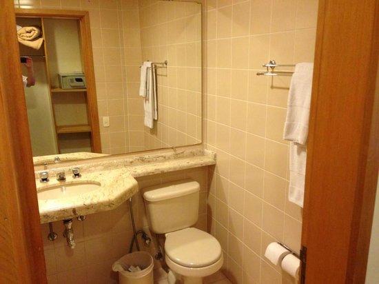 Golden Park Viracopos : bathroom