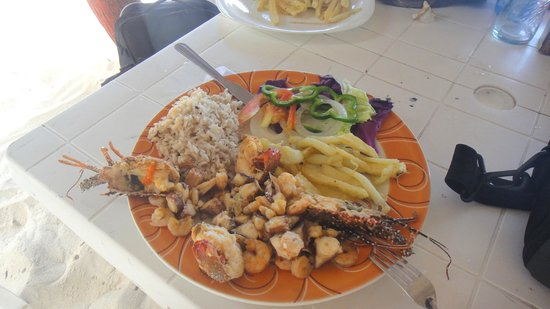Hugo's Place: hugo hace excelentes comidas