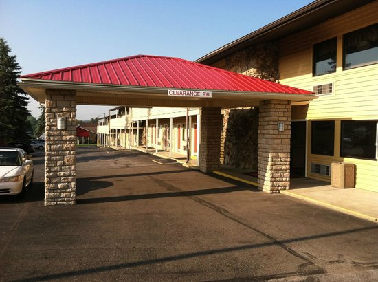 Econo Lodge : Hotel entrance