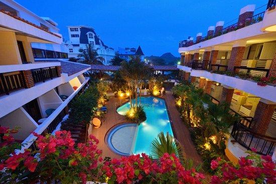 Smokey Joe's Hotel : swimming pool