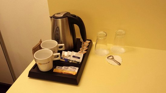 Exe Hotel Klee Berlin: Il set per the/caffè