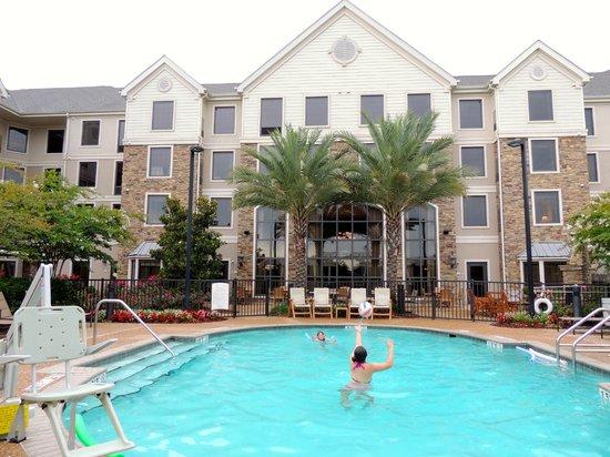 Staybridge Suites Eastchase Montgomery: back of the hotel