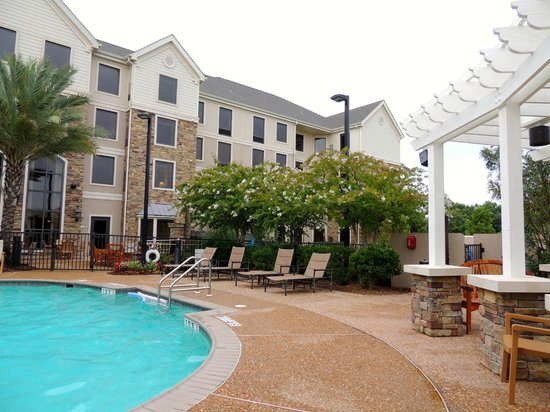 Staybridge Suites Eastchase Montgomery : Back of the hotel