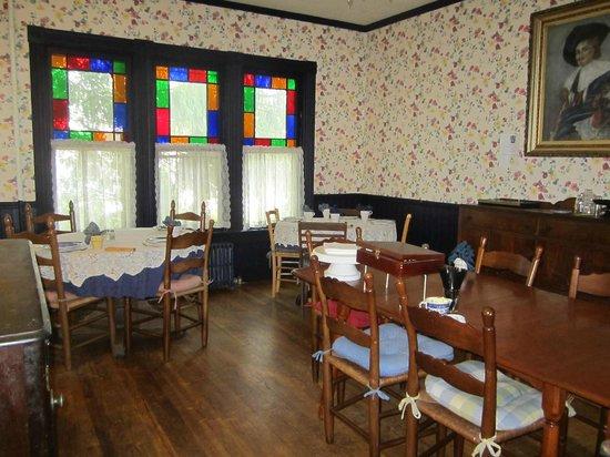 River Run Bed & Breakfast : Dining Room