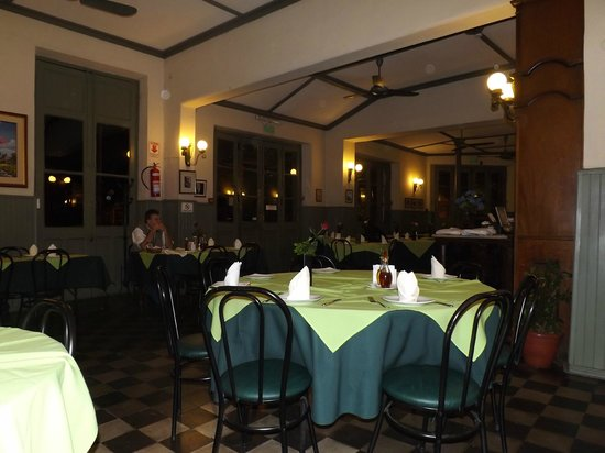Bar San Roque: Immaculate tables and service