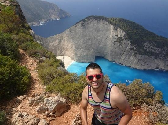 Lithies Studios Apartments: Overlooking the famous shipwreck or navagio beach - took the tour while staying at Lithies.  An