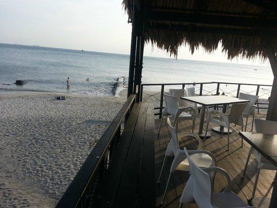 Hotel Tequendama Inn Santa Marta by Sercotel: Comer con ese atardecer