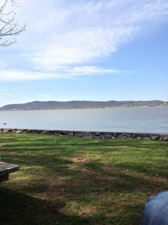 Croton Point Park: relaxing
