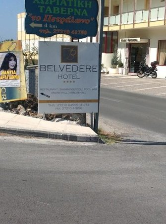 Belvedere Hotel : Sign off the main road