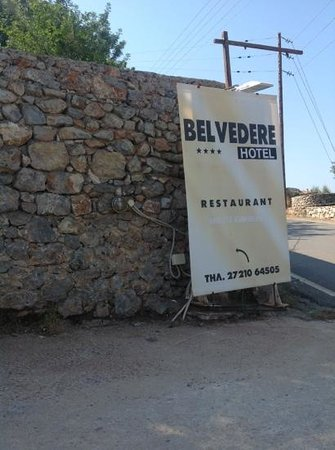 Belvedere Hotel : Sign leading to hotel
