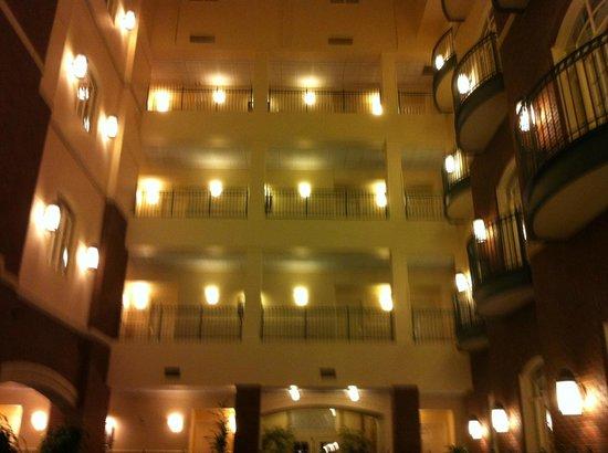 Hotel at Old Town: Atrium