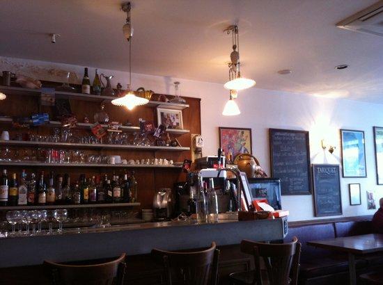Chez Toto Restaurant: Le comptoir du bar de Chez Toto