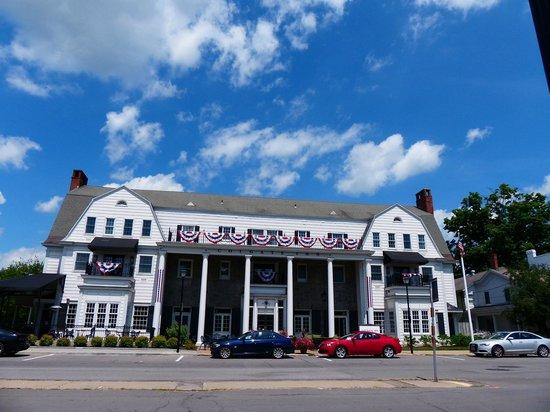 Colgate Inn: Inn facade