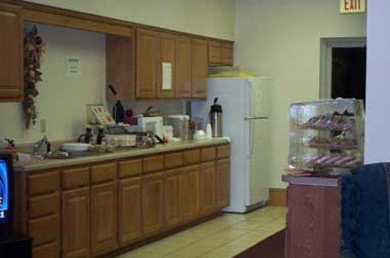 Stonebrook Inn : Hot Breakfast