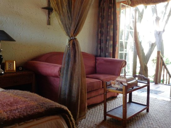 TreeTops & Treats Guest House: Eyptain Suite