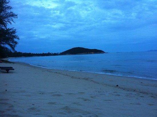 Kanok Buri Resort: Stunning Beach