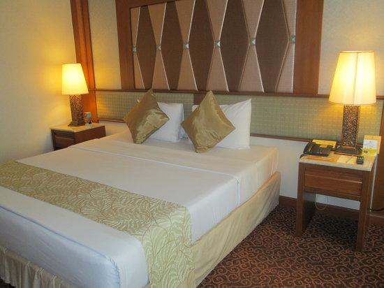 Asia Hotel Bangkok: room