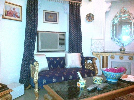 Sugan Niwas Palace: Living area