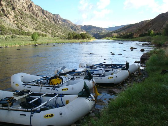 RIGS Adventure CO Fly Shop and Guide Service : Morning sunshine hits the water and gets us ready for a fun filled day