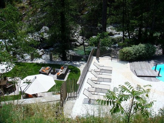 Hotel Dominique Colonna : piscine et salon
