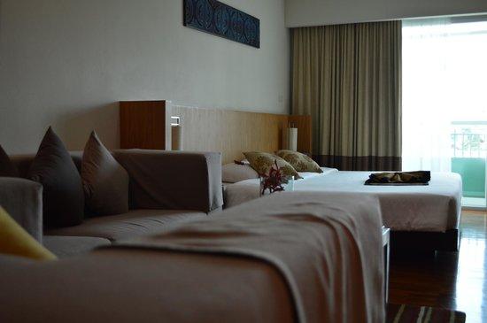 Kantary Hills, Chiang Mai: Bedroom + Living