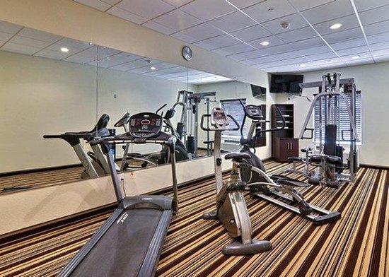 Comfort Inn Triadelphia: Fitness Center