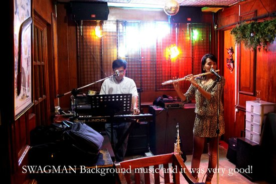 Swagman RPL Hotel Manila: These people played excellent music, worth the stay